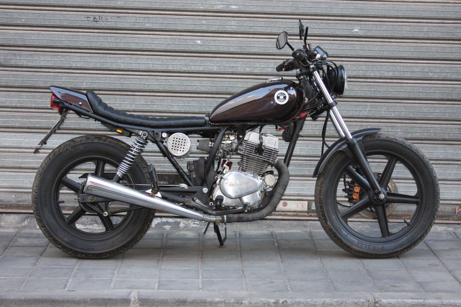 Honda CB 250 Cheap Tracker (Wheels Garaje) 38