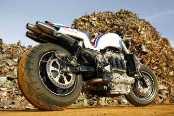 "Triumph RS Rocket III ""Slippery Sam"" (Palatina) 21"