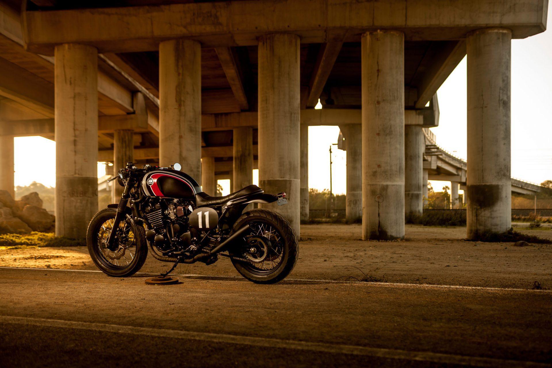 """Triumph Legend TT """"The Hustler"""" (Macco) 4"""