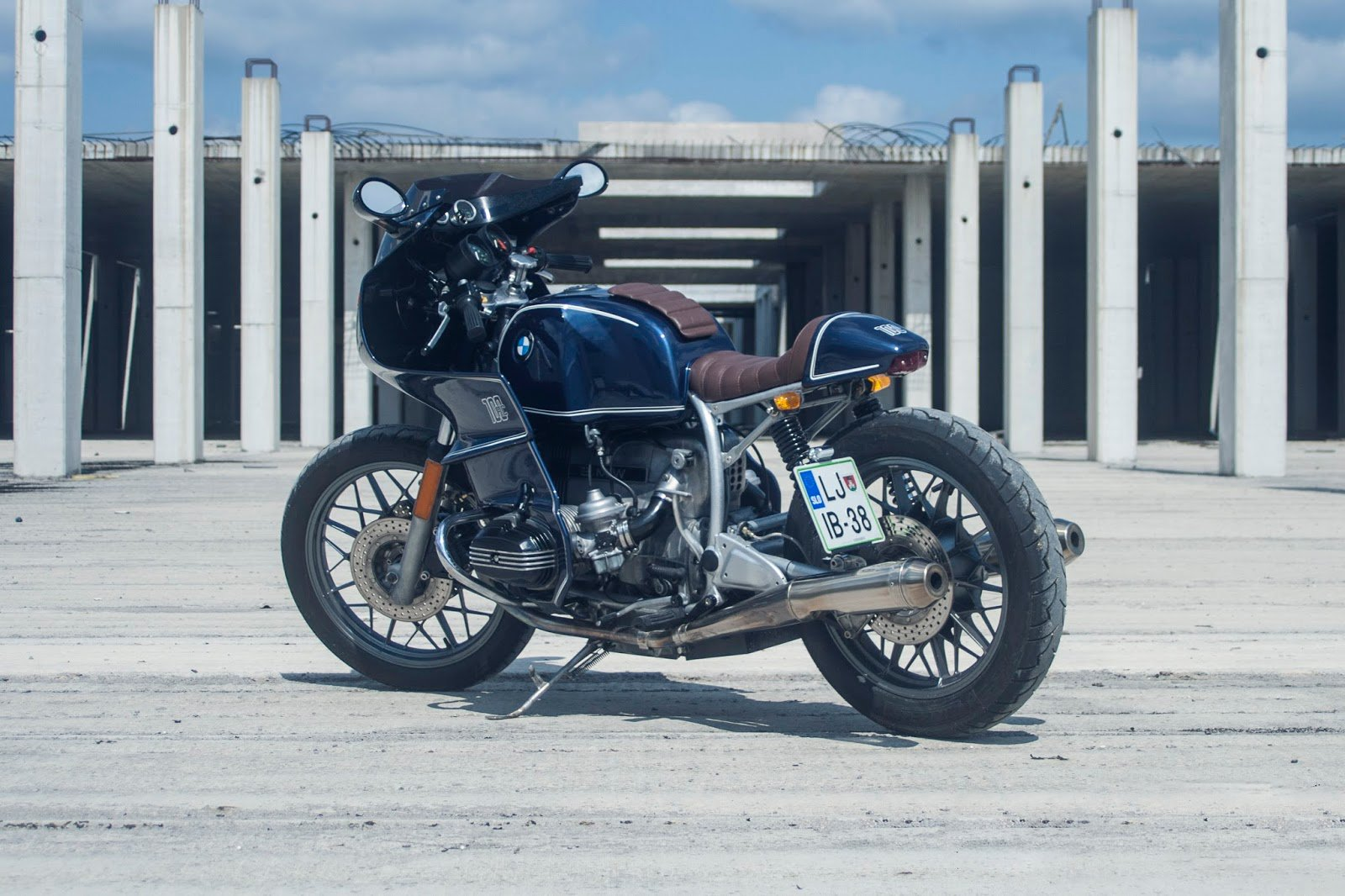 "BMW R100RS ""RC"" '82 (Oil Stain Garage) 46"