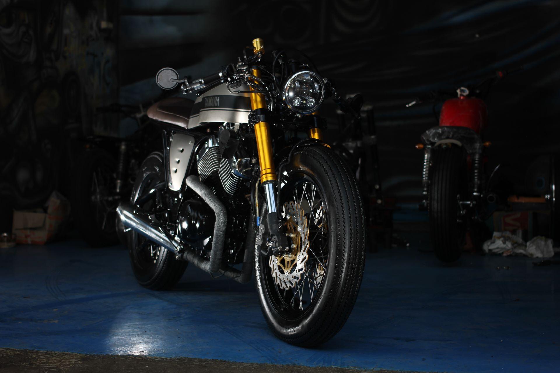 additionally Selle avant  Yamaha XV 535 Virago 132230 further 150622 cm 21265 additionally Yamaha Virago 535 The Clyro Cafe Racer Studio Motor likewise Yamaha R1 Cafe Racer. on yamaha virago