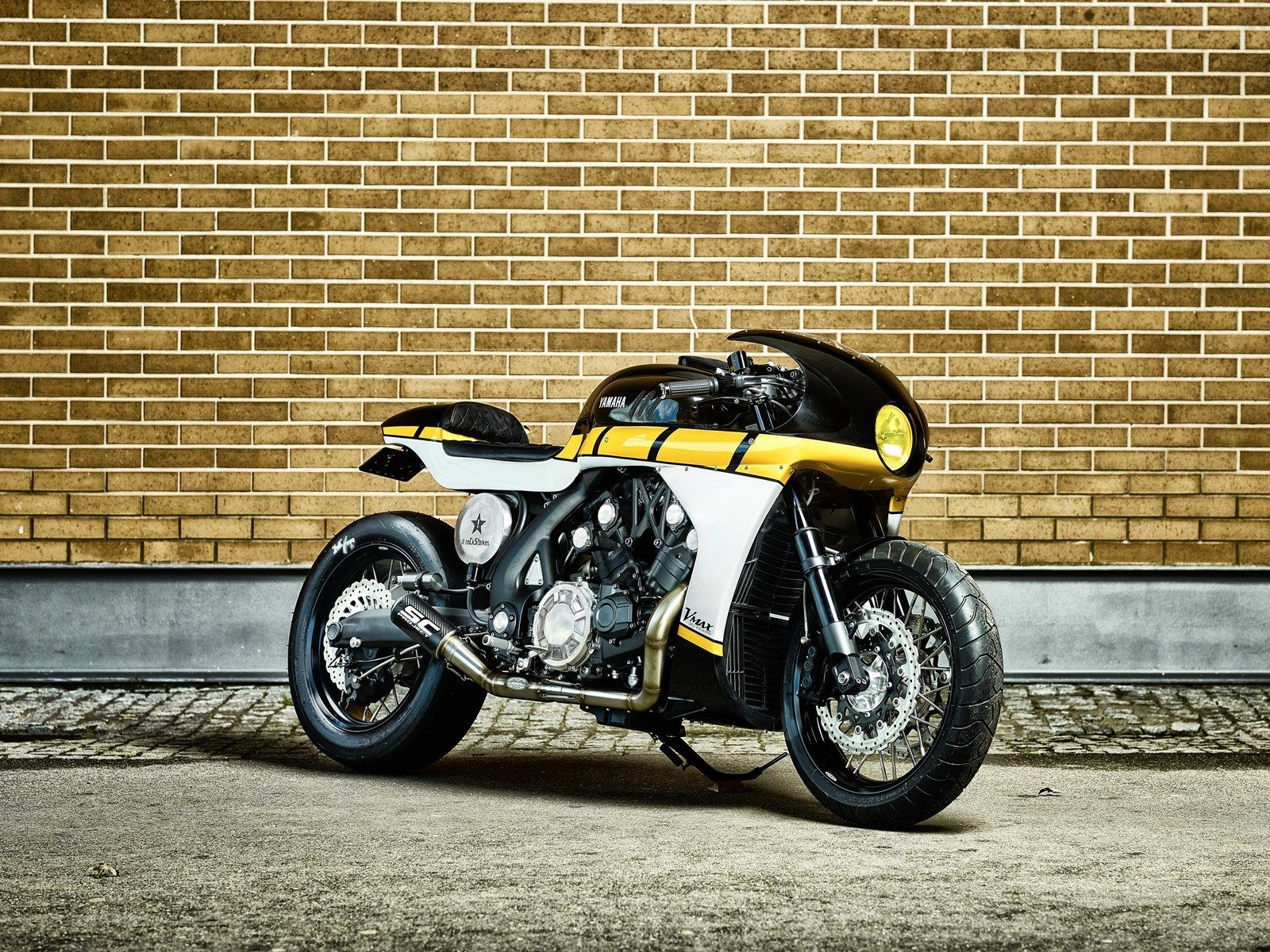 "Yamaha V-MAX ""CS-07 Gasoline"" (It Rocks Bikes) - caferaceros.com"